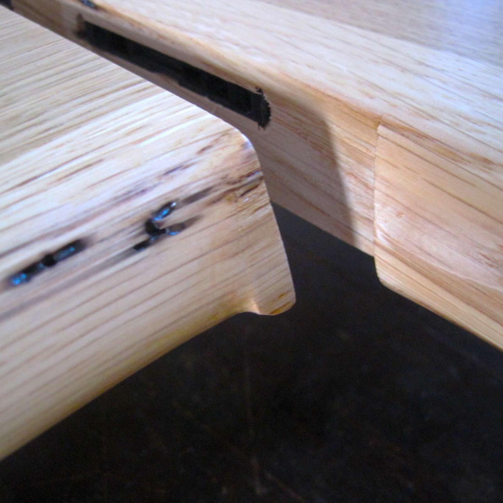Eck-Holzfensterabnk mit Naturkante aus Eiche inkl. Verbinder